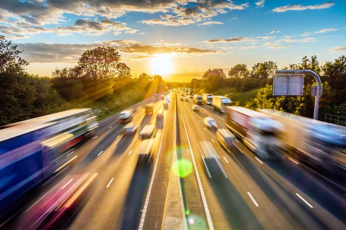 Delt fiber - en motorvej du deler med andre, hvor der kan opstå forsinkelser og kø